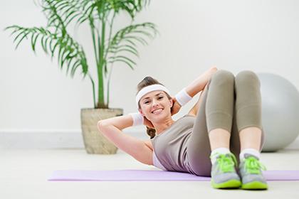 Растяжки на теле: причины появления и профилактика