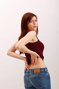Ощупывание спины - поиск участков поражения