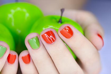 Как вылечить слоящиеся ногти и сделать их пластичными