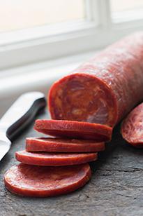 Рацион питания должен исключать колбасы и сыры