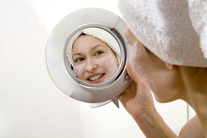 Как использовать касторовое масло для кожи лица и вокруг глаз