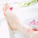 Причины пяточных трещин и их лечение