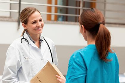 Лечение кандидоза у женщин: свечами, таблетками и др.