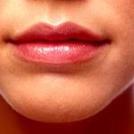 Потрескались уголки губ